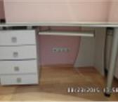 Фотография в Мебель и интерьер Столы, кресла, стулья Продаю белый письменный стол в состоянии в Омске 16000